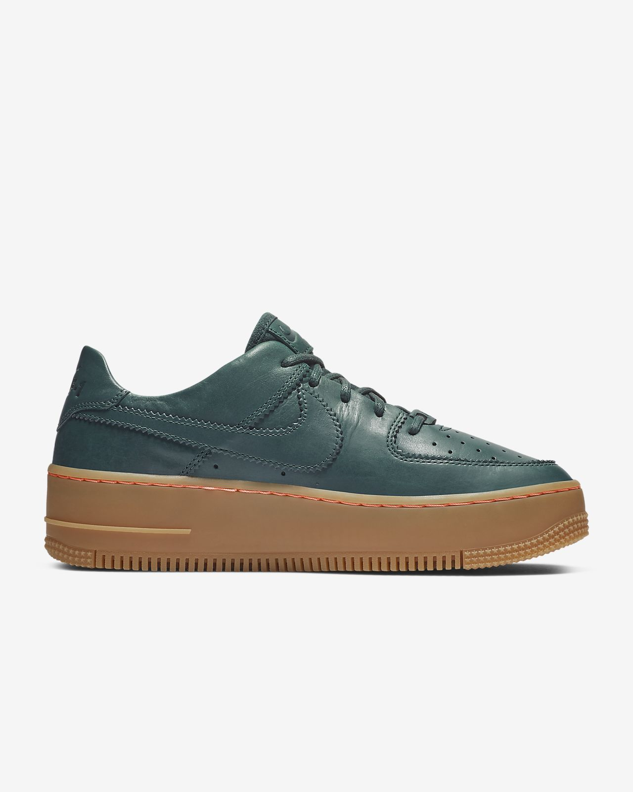 3f1a978ec3ba1 Nike Air Force 1 Sage Low LX Women's Shoe. Nike.com CH