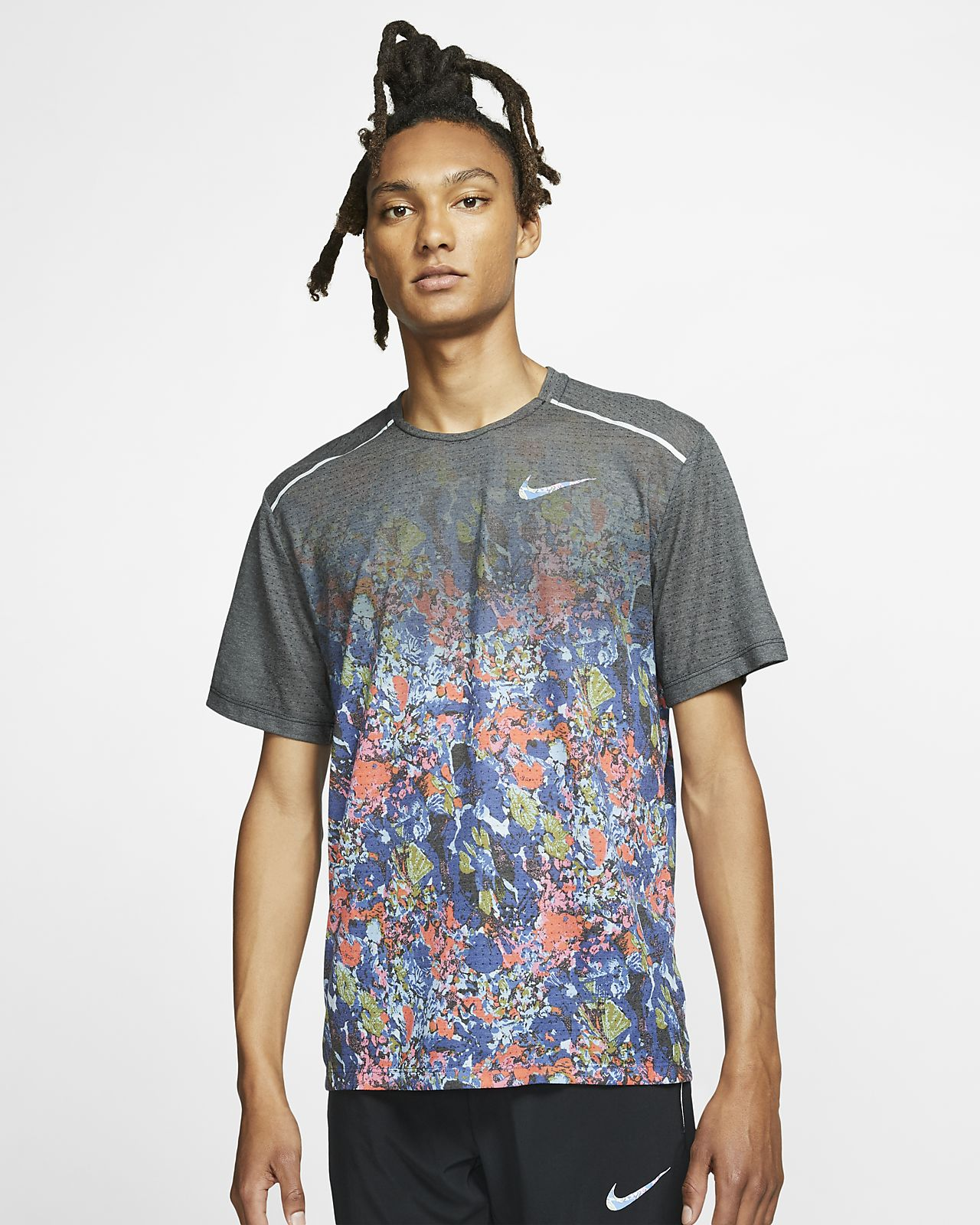 Prenda para la parte superior de running estampada de manga corta para hombre Nike Rise 365
