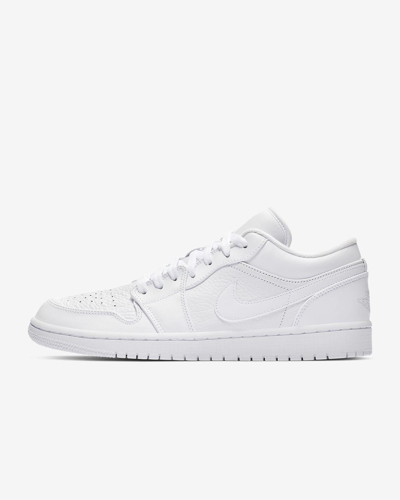 541188b61e082 Air Jordan 1 Low Men s Shoe. Nike.com MA
