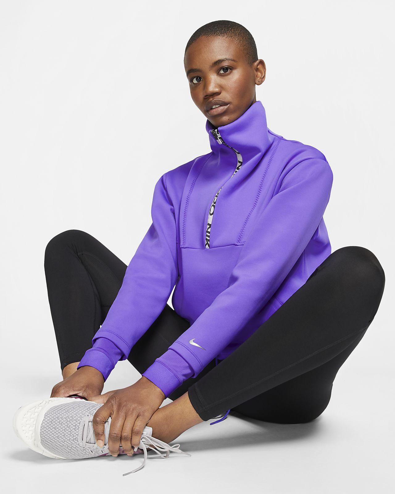 Kort, langærmet Nike Pro-fleecetop til kvinder