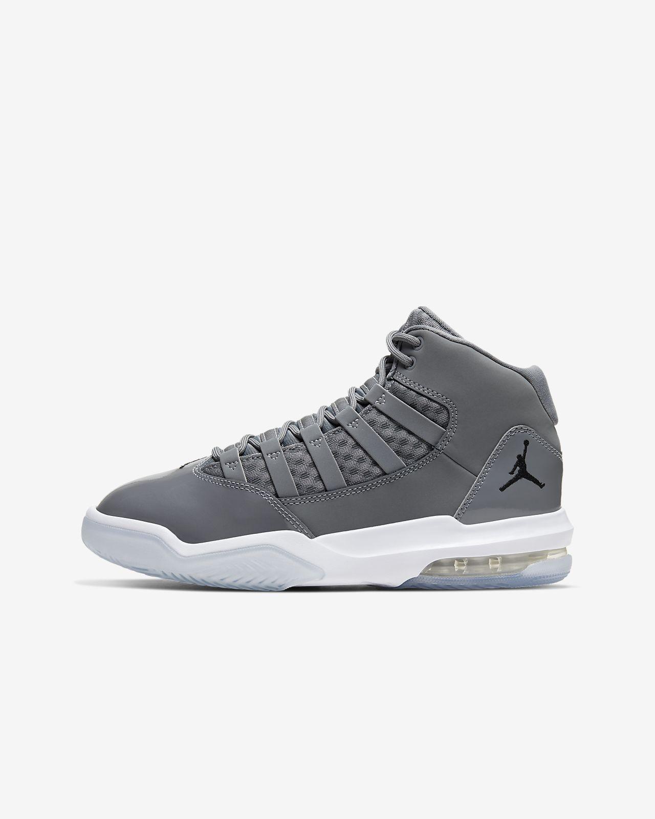 Jordan Max Aura Older Kids' Shoe. Nike SK
