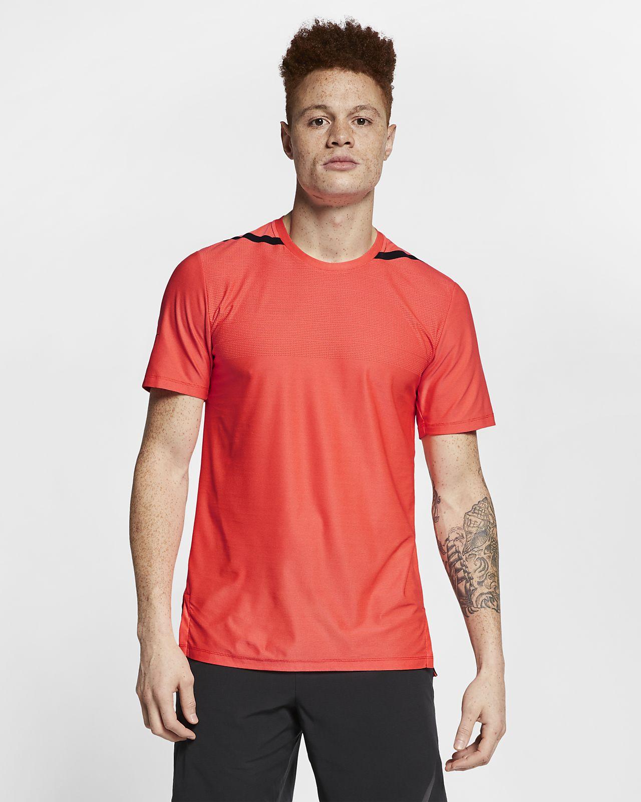 Nike Dri-FIT Tech Pack Kısa Kollu Erkek Antrenman Üstü