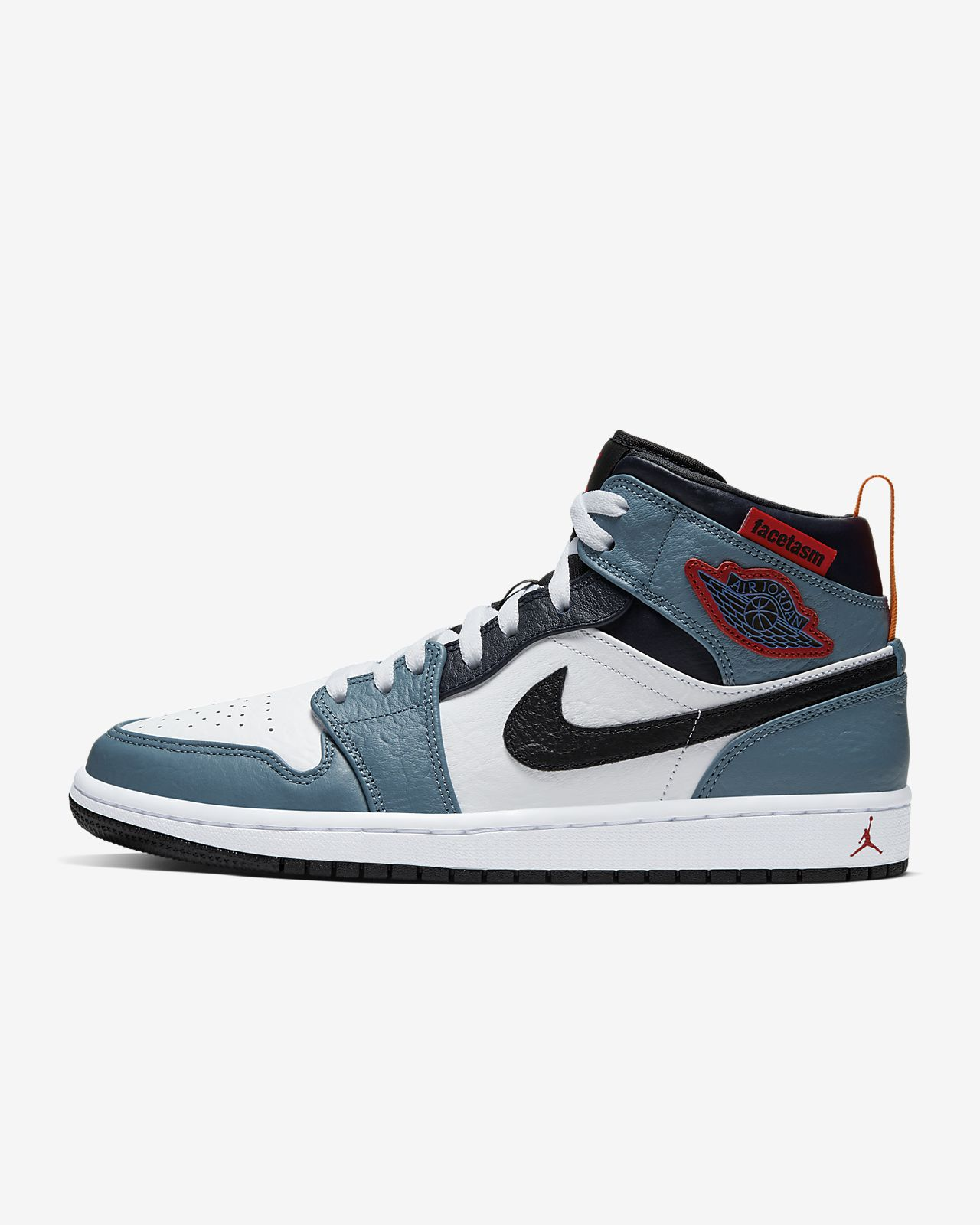 Air Jordan 1 Mid SE Fearless Shoe