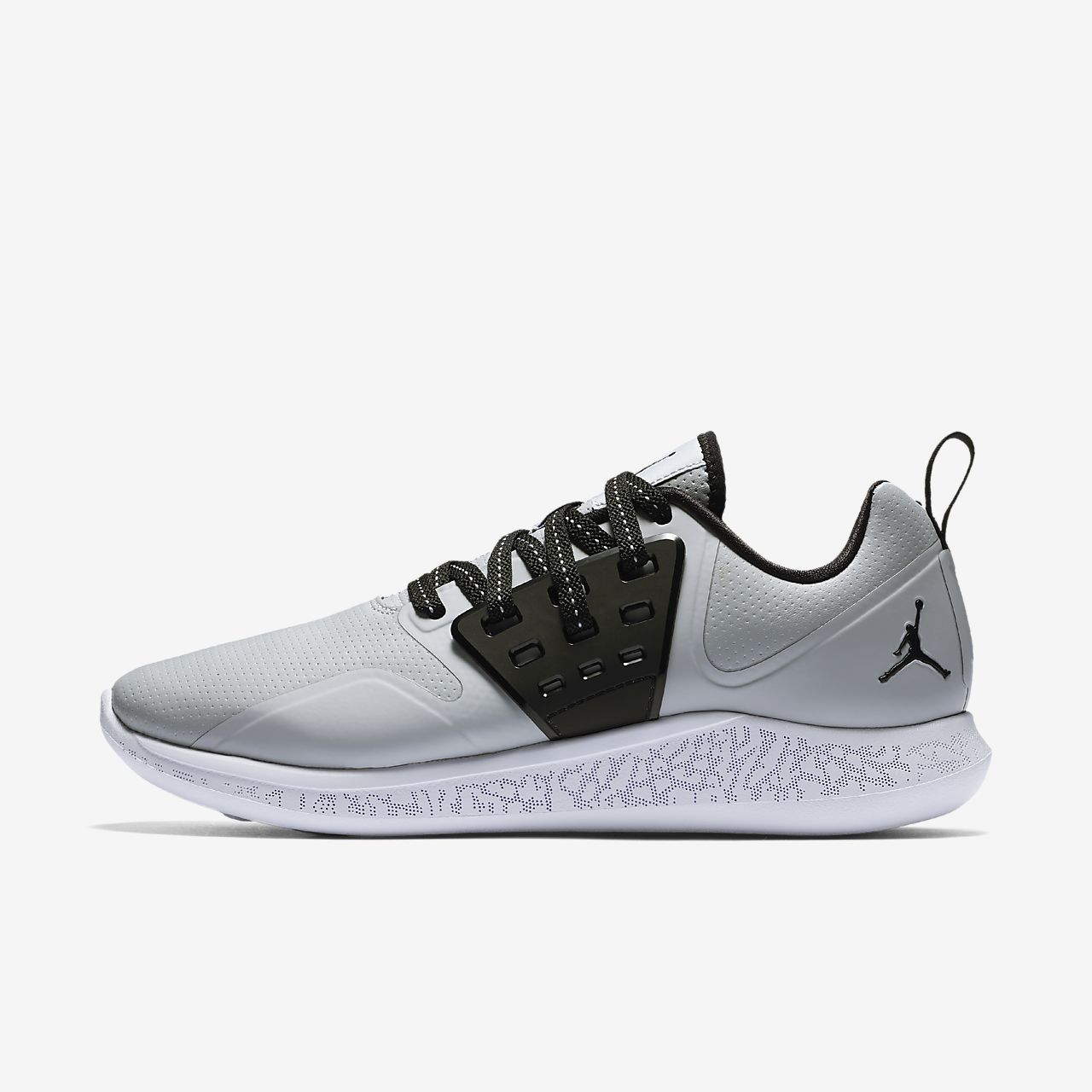 Joe™s New Balance Outlet is a clearance store for New Balance merchandise. It specializes in different kinds of shoes such as running shoes, fitness shoes and lifestyle shoes.