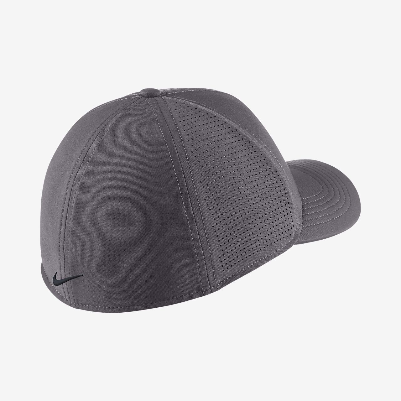 Nike AeroBill Classic 99 Fitted Golf Hat. Nike.com RO 47178404a6f