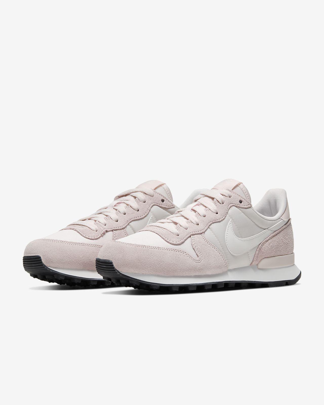 Nike Internationalist Women's Shoe. Nike BG