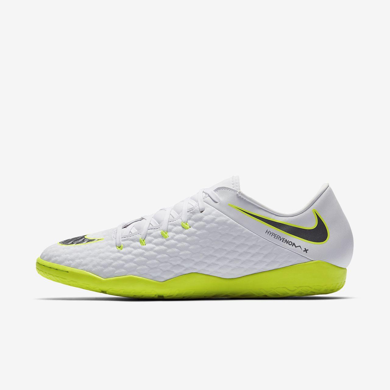 Nike Football Hypervenom Phantomx 3 Indoor Trainers In White AJ3814-107 buy cheap for cheap bvzX9SJ