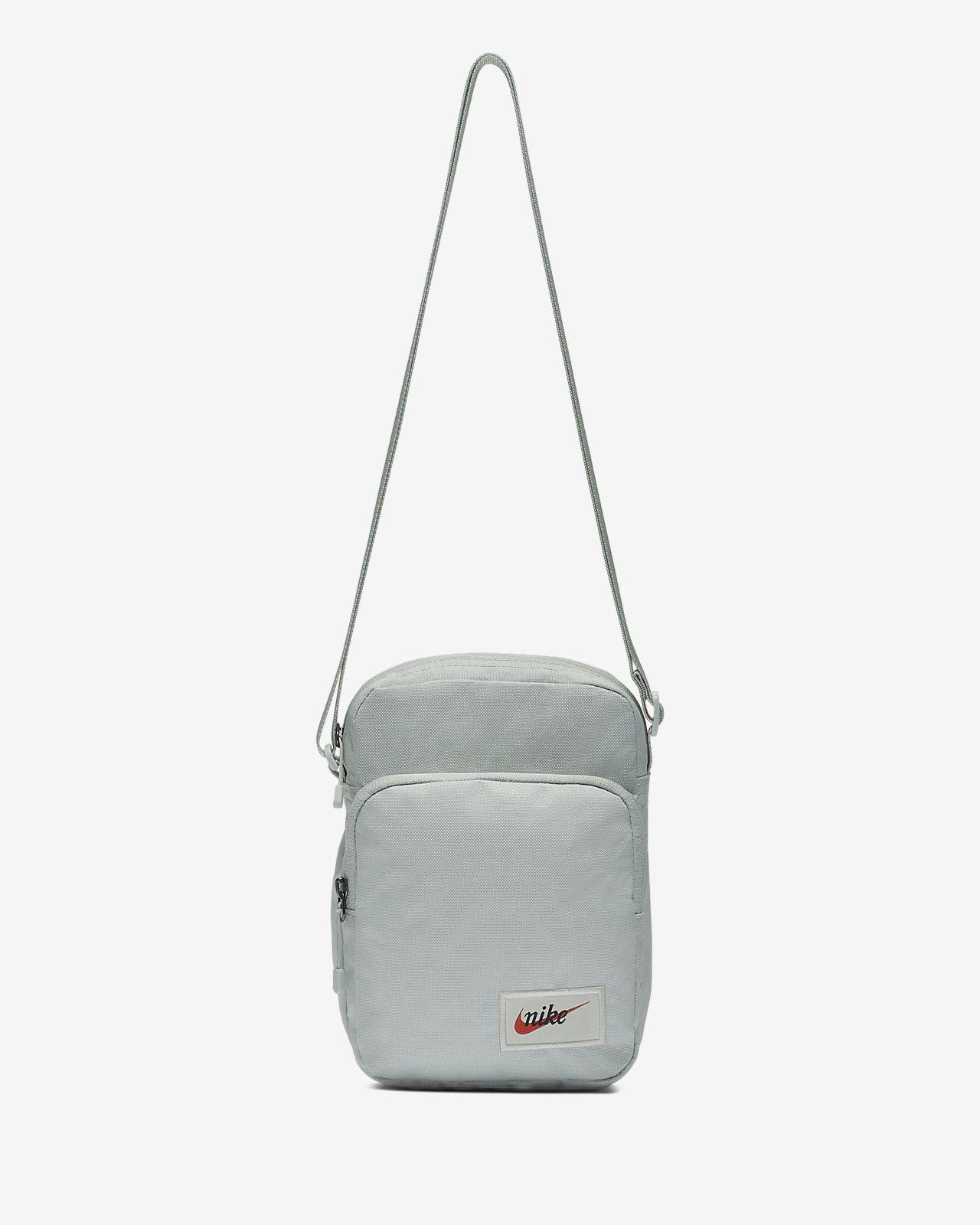 Nike Sportswear Heritage Small-Item Label Bag. Nike.com MY