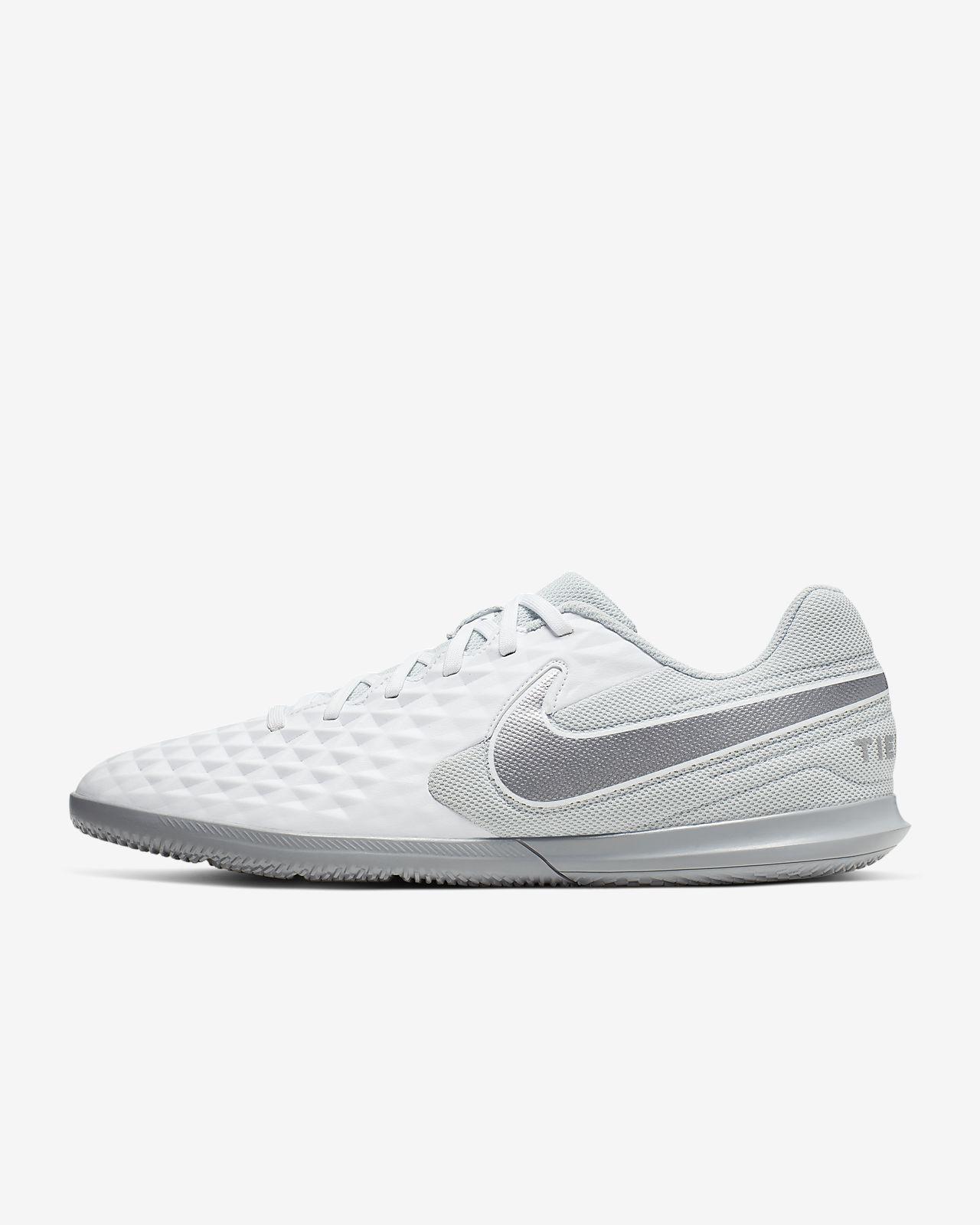 Nike Tiempo Legend 8 Club IC Indoor/Court Football Shoe