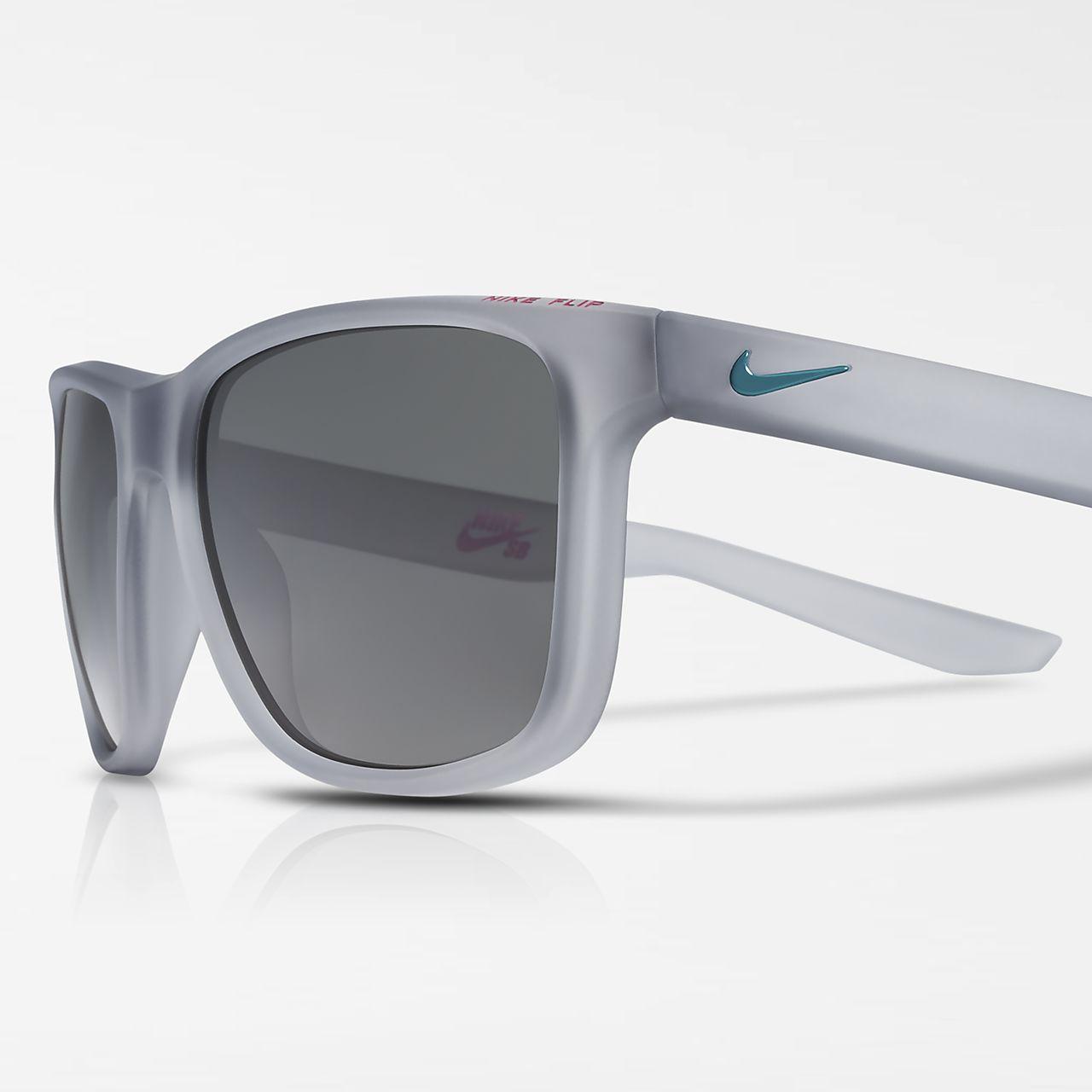 Nike SB Flip EV0990 010 Wolf Grey Radiant Emerald