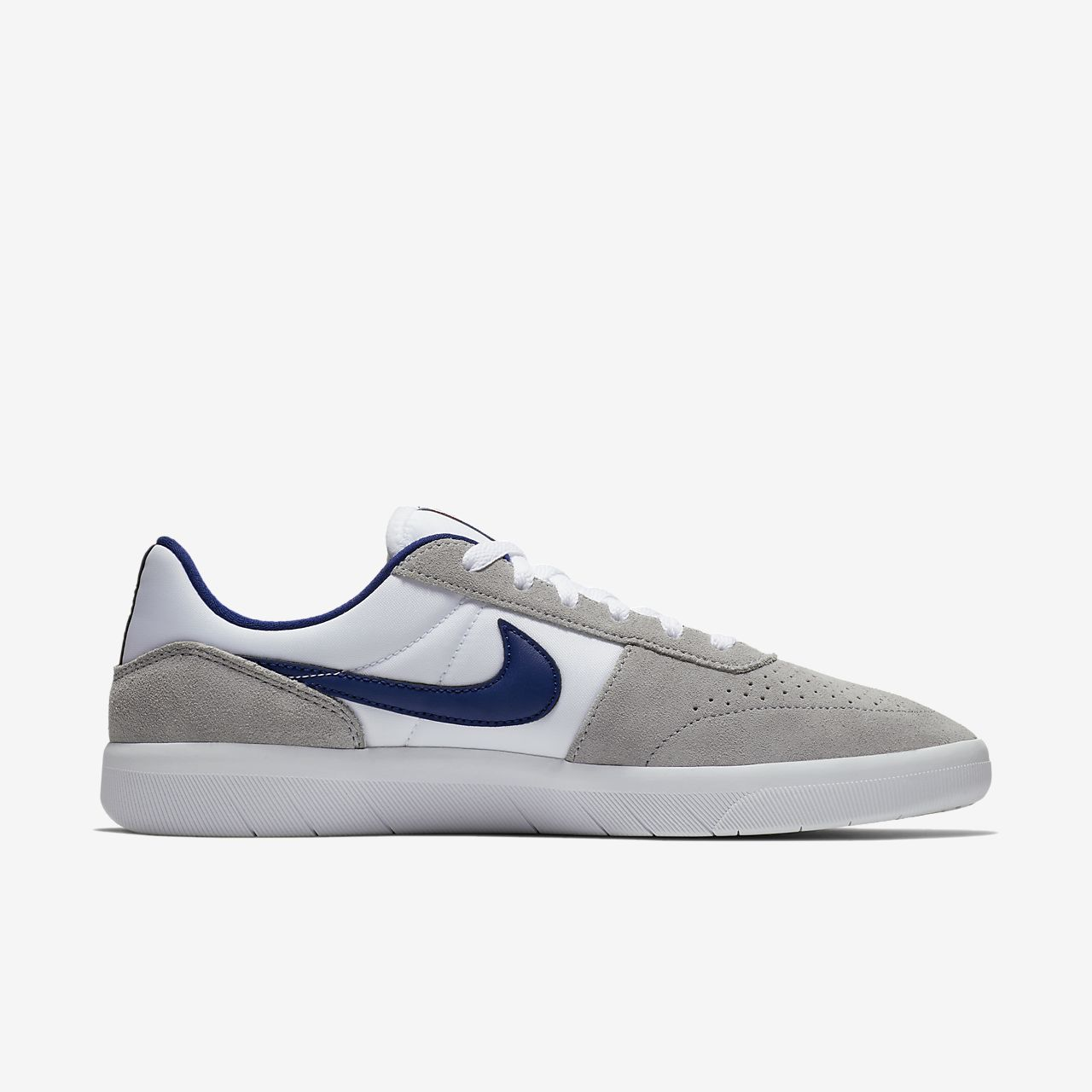 Nike SBTEAM CLASSIC - Trainers - summit white/blue void/white/light brown eBgbn1z6