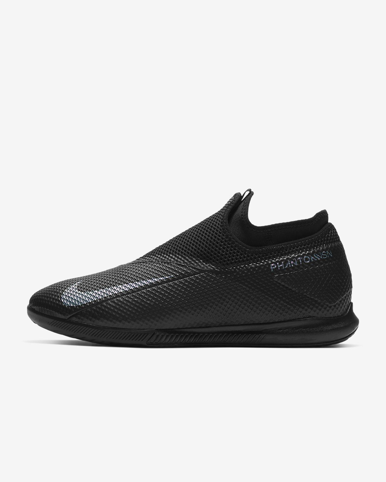 chaussure indoor nike