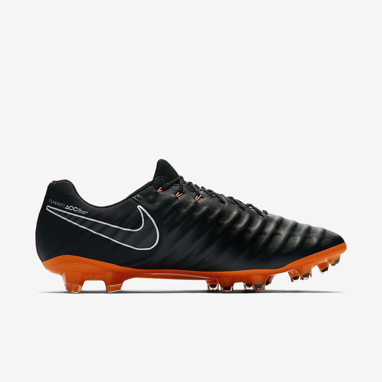 chaussure de football crampons pour terrain sec nike. Black Bedroom Furniture Sets. Home Design Ideas