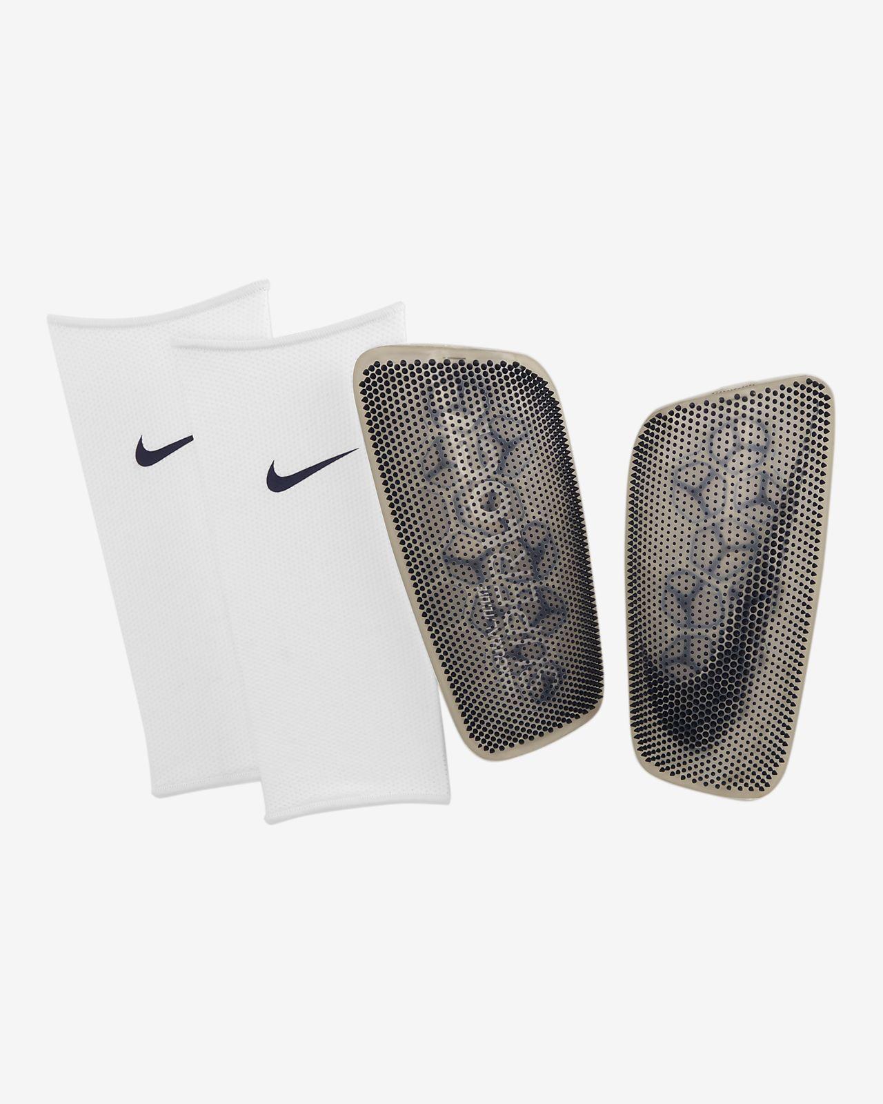 Fotbalové chrániče holení Nike Mercurial FlyLite SuperLock