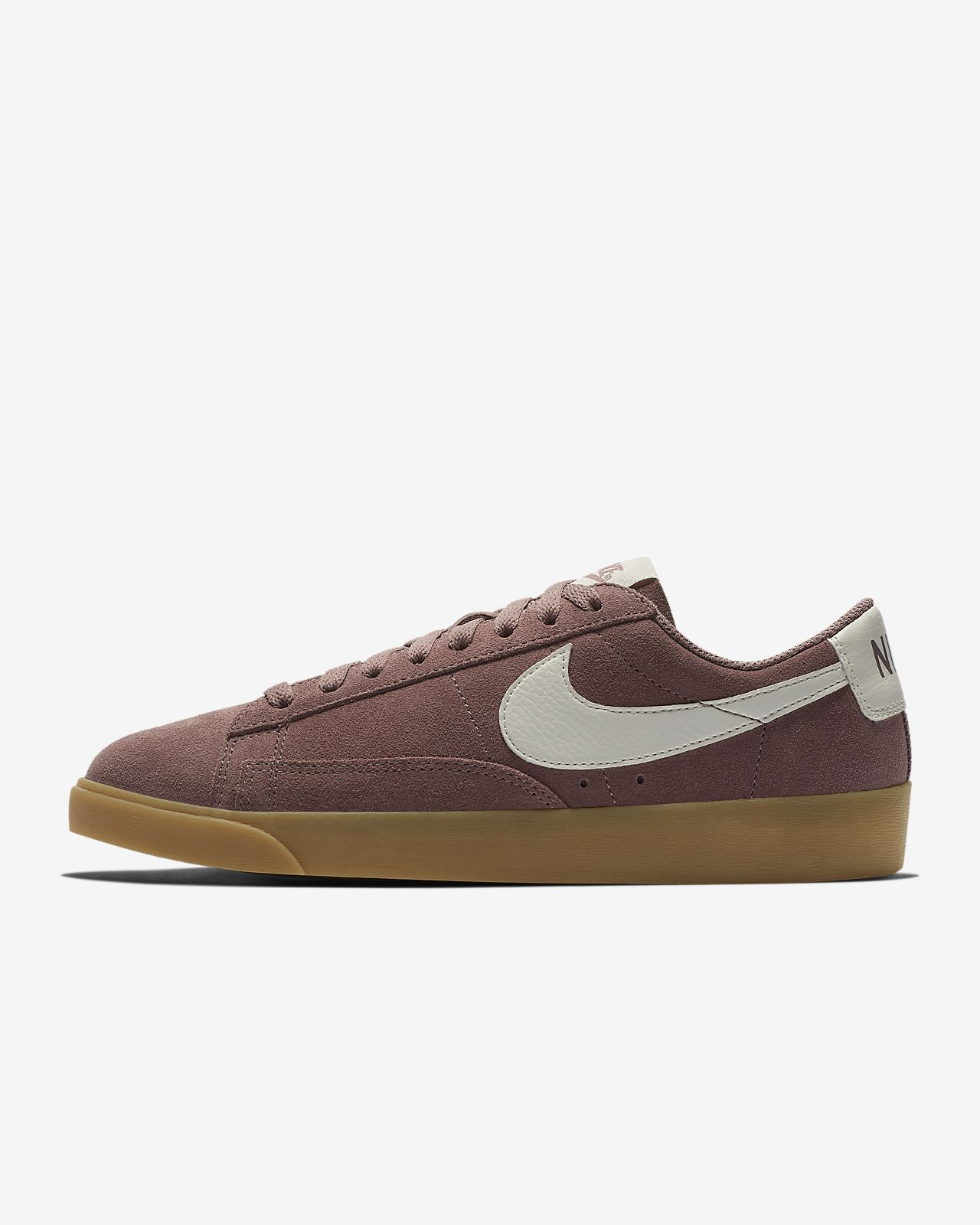 reputable site 26fa5 aa787 ... Chaussure Nike Blazer Low Suede pour Femme