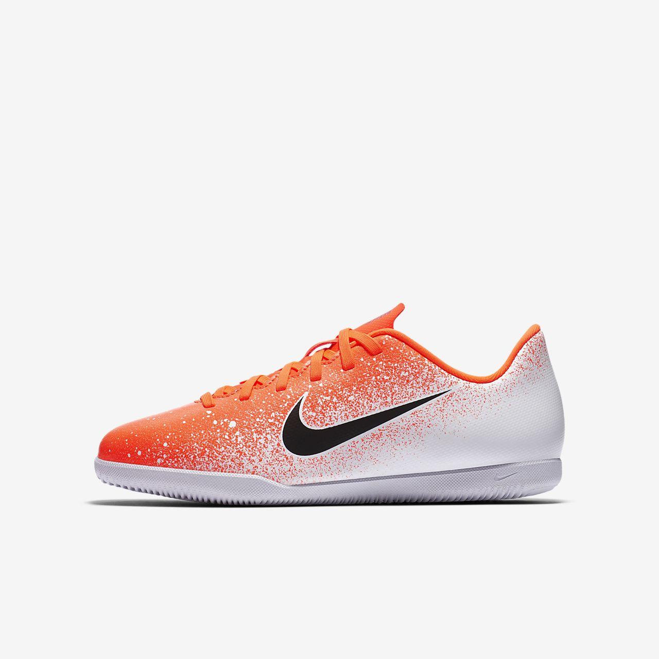 รองเท้าฟุตบอลเด็กเล็ก/โตสำหรับสนามในร่ม/คอร์ท Nike Jr. MercurialX Vapor XII Club IC