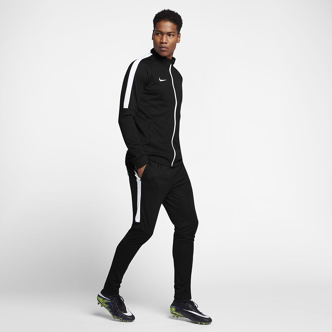 14b759db Conjunto de entrenamiento para fútbol para hombre Nike Dri-FIT. Nike ...