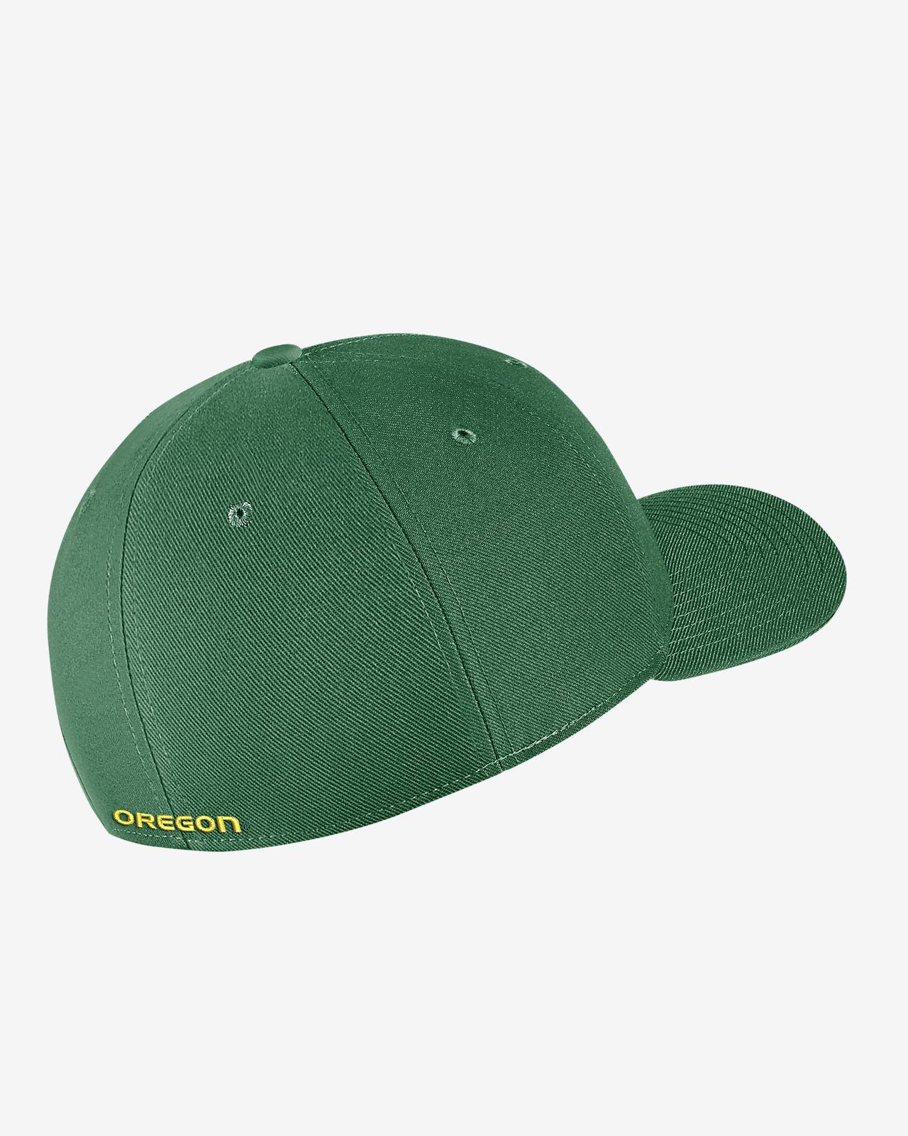 3827161d6b00 Nike College Dri-FIT Classic99 Swoosh Flex (Oregon) Fitted Hat. Nike.com