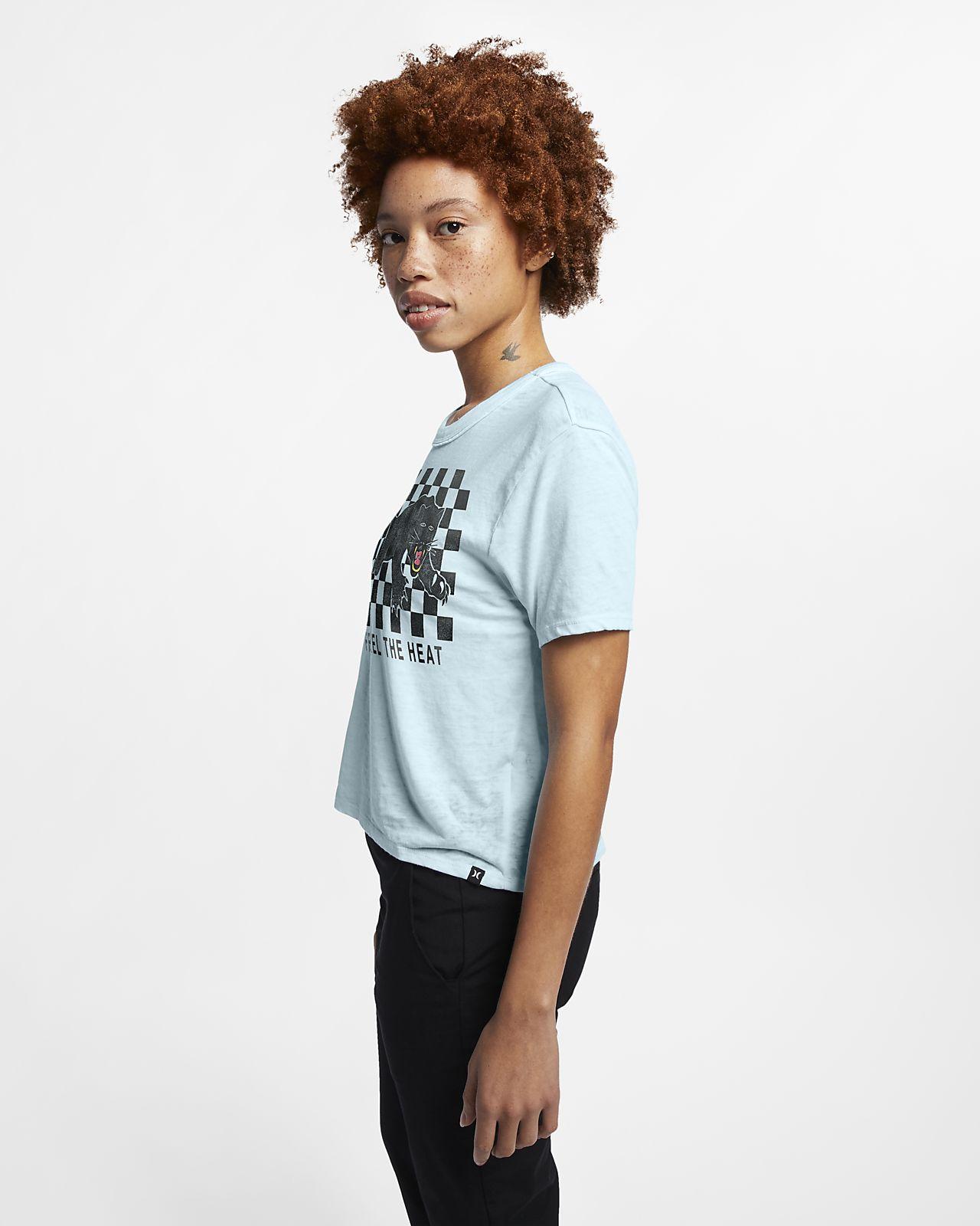 5e2b2d49402c Γυναικεία μπλούζα με κοντό μήκος Hurley Feel The Heat Burnout. Nike ...