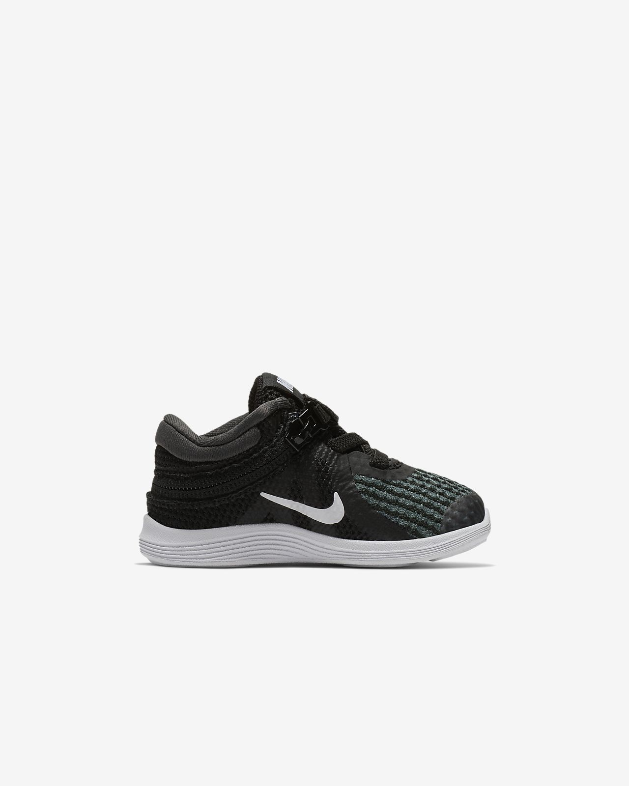 98761838f173b Nike Revolution 4 FlyEase Baby and Toddler Shoe. Nike.com GB