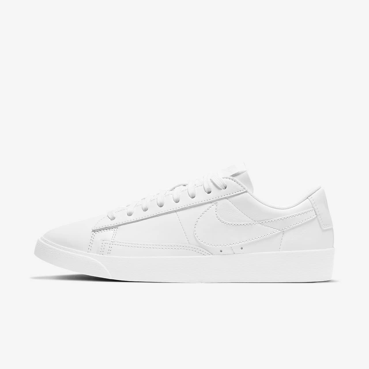รองเท้าผู้หญิง Nike Blazer Low LE