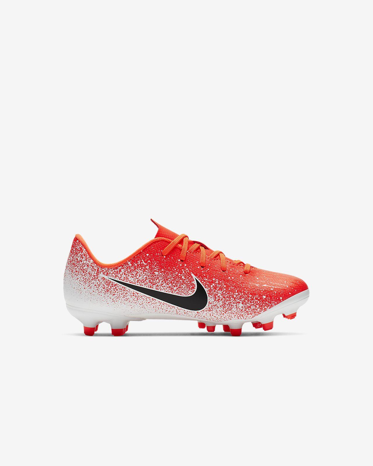 best loved 2b786 37dc8 ... Nike Jr. MercurialX Vapor XII Academy-fodboldstøvlen til små og store  børn (flere