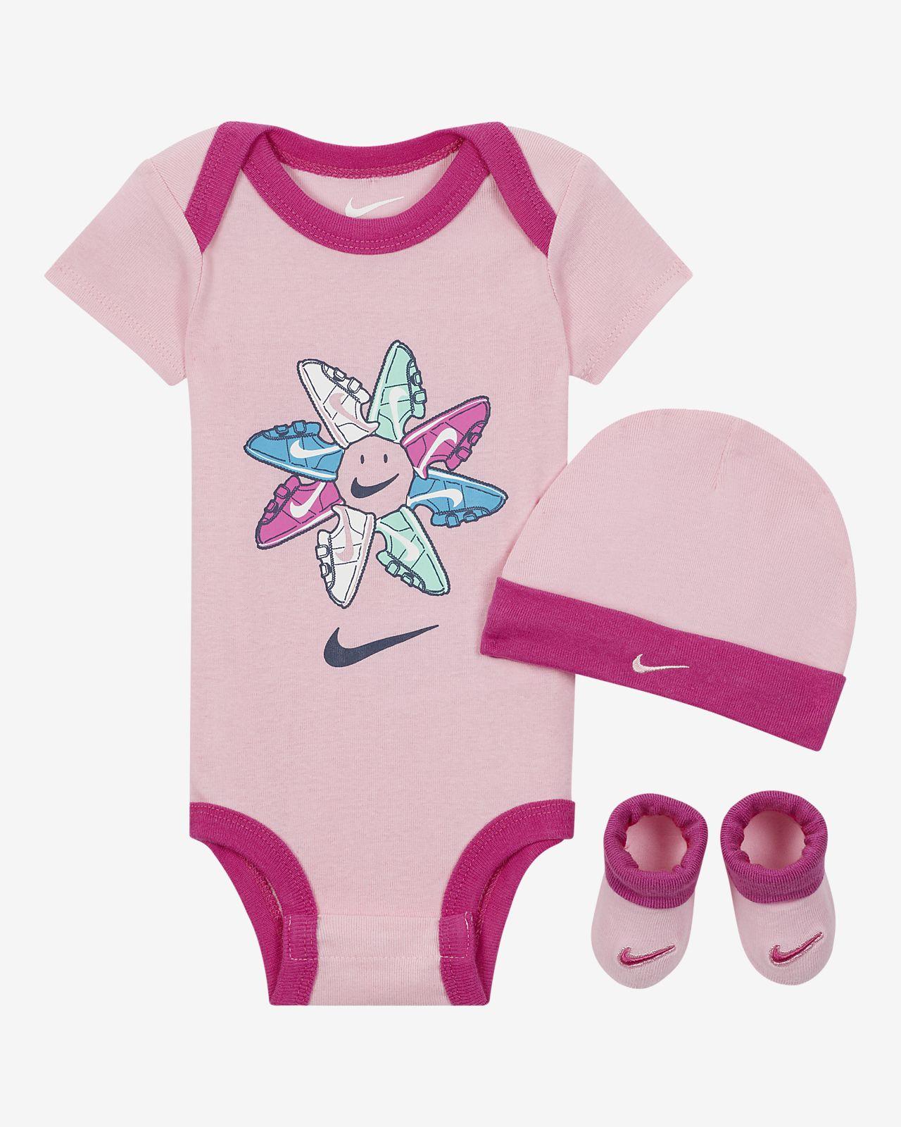 Nike Babyset met rompertje, beanie en booties