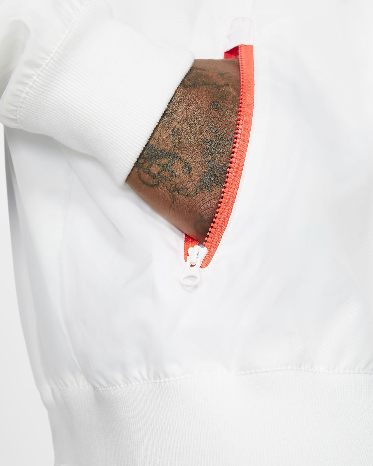 8c98d0822 Corta-vento com capuz dobrável Nike Sportswear Windrunner para homem ...