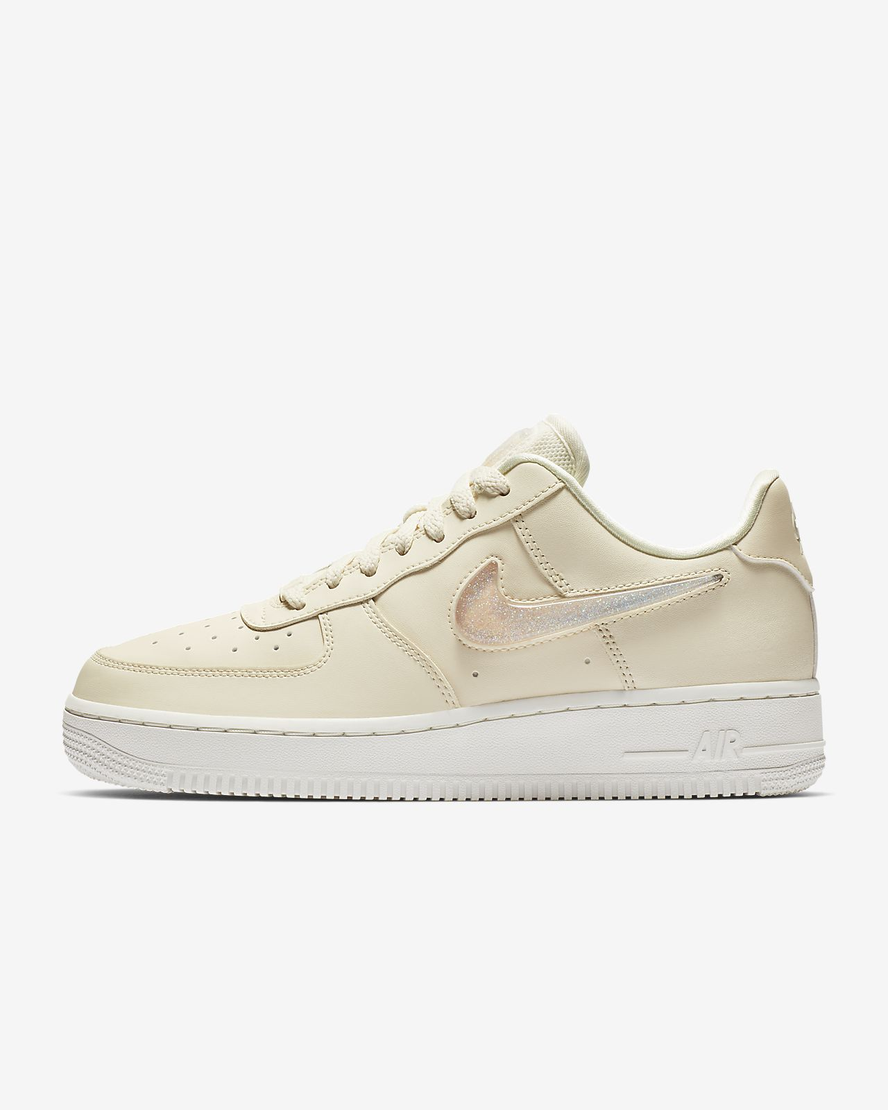 the latest 63f8e 6b8b7 ... Chaussure Nike Air Force 1 07 SE Premium pour Femme