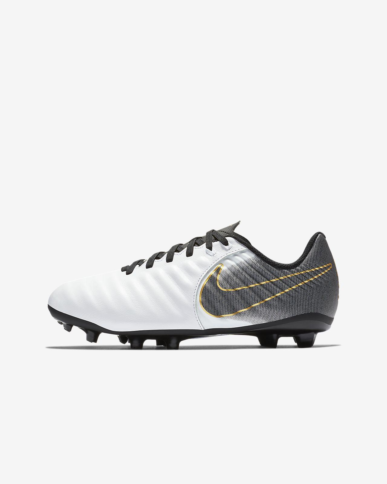 Nike Jr. Legend 7 Academy FG Fußballschuh für normalen Rasen für jüngere/ältere Kinder