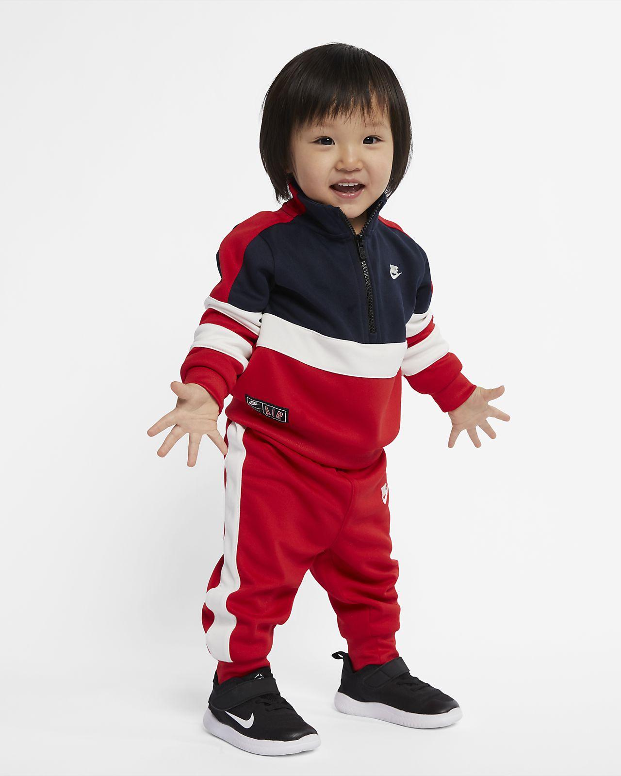 Dvoudílná kojenecká souprava Nike Air (12–24 měsíců)