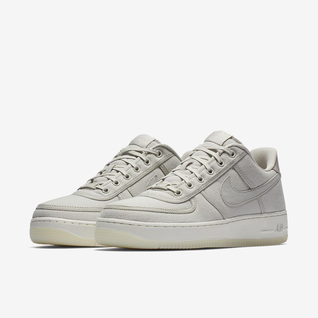 best website c1594 f2cf4 Nike Air Force 1 Low Retro QS Men's Shoe. Nike.com