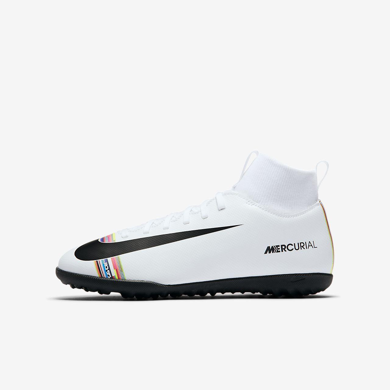f9d6f3e2a8423 ... Calzado de fútbol para terreno artificial para niños talla  pequeña grande Nike Jr. SuperflyX