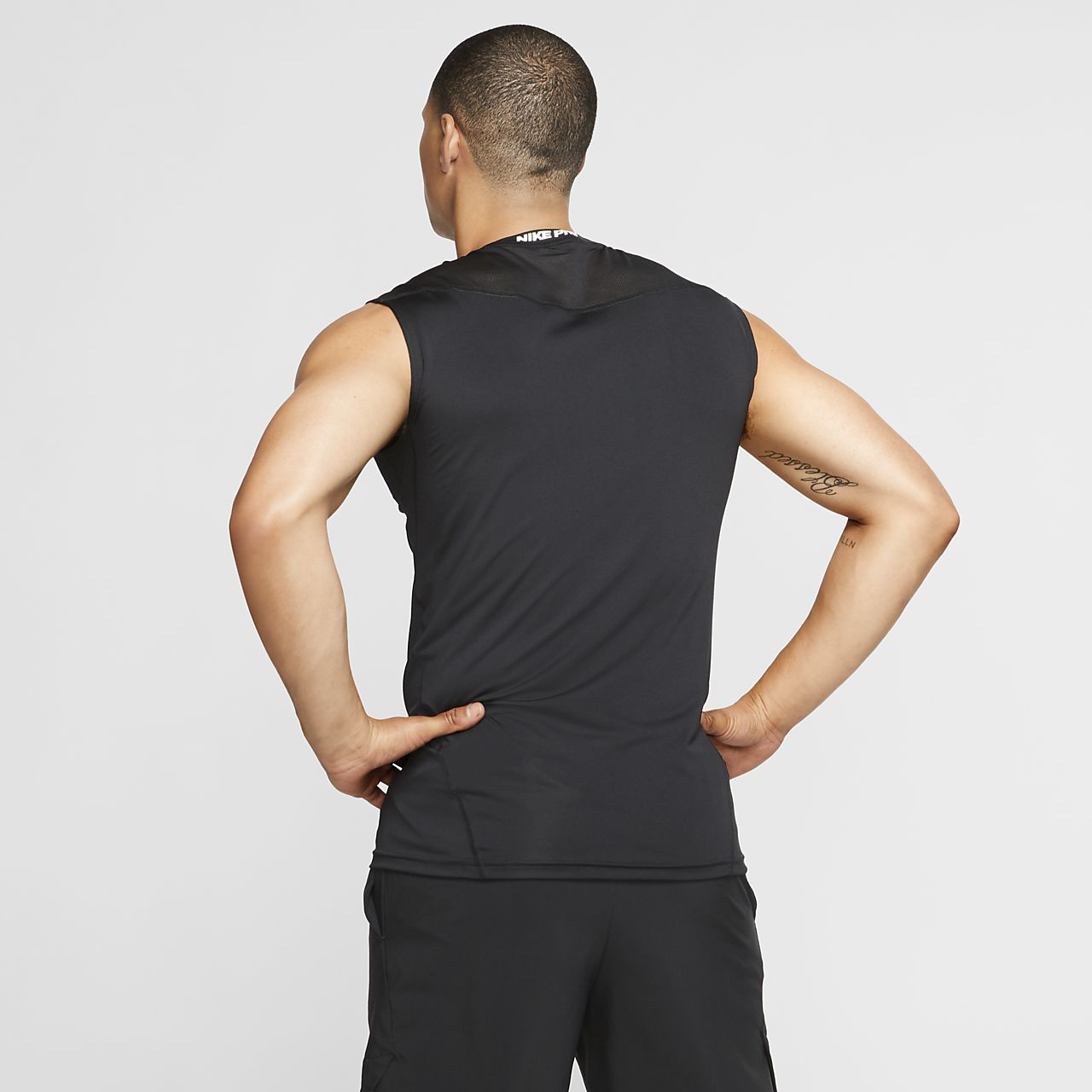 473215062095d Nike Pro Men s Sleeveless Fitted Top. Nike.com