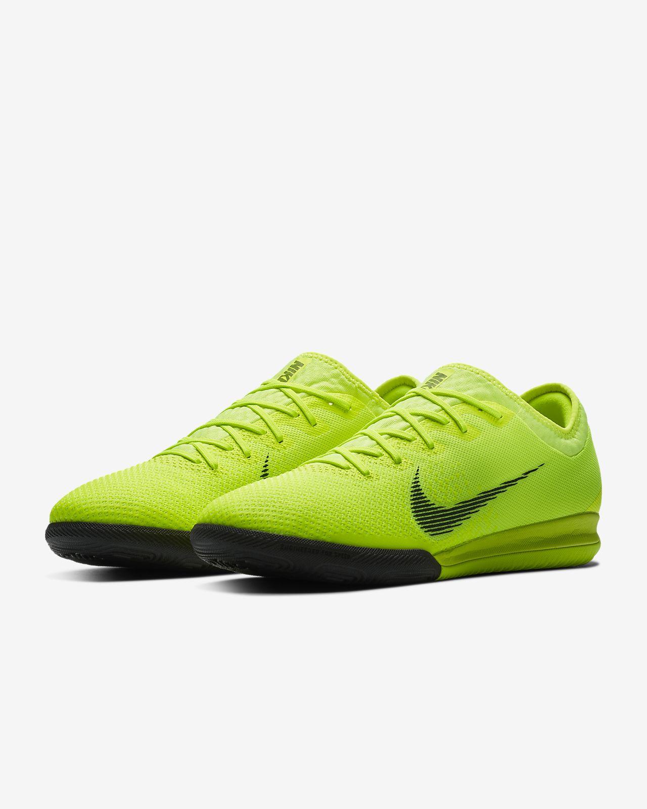 ... Calzado de fútbol para competencias en cancha cubierta Nike VaporX 12  Pro IC 1dc0a594d1735