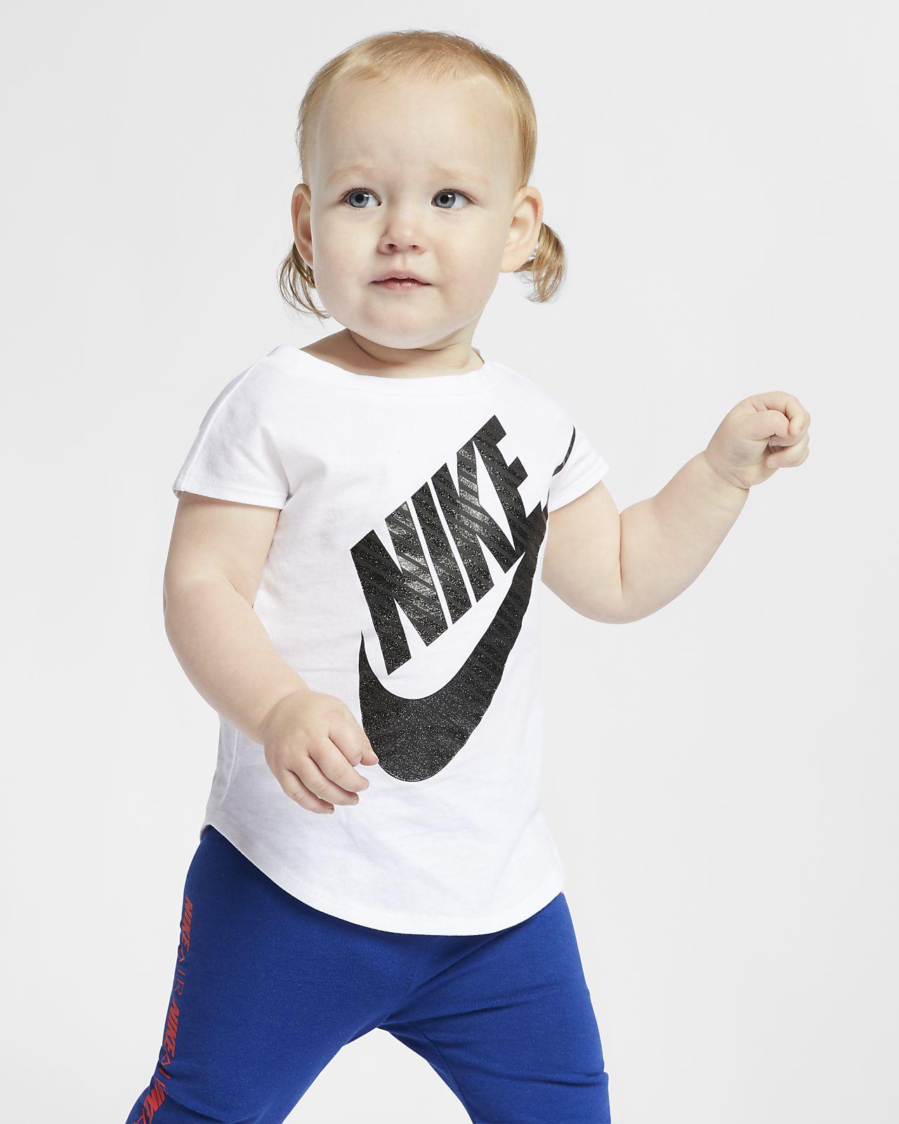 Nike Sportswear-T-shirt til babyer (12-24 mdr.)