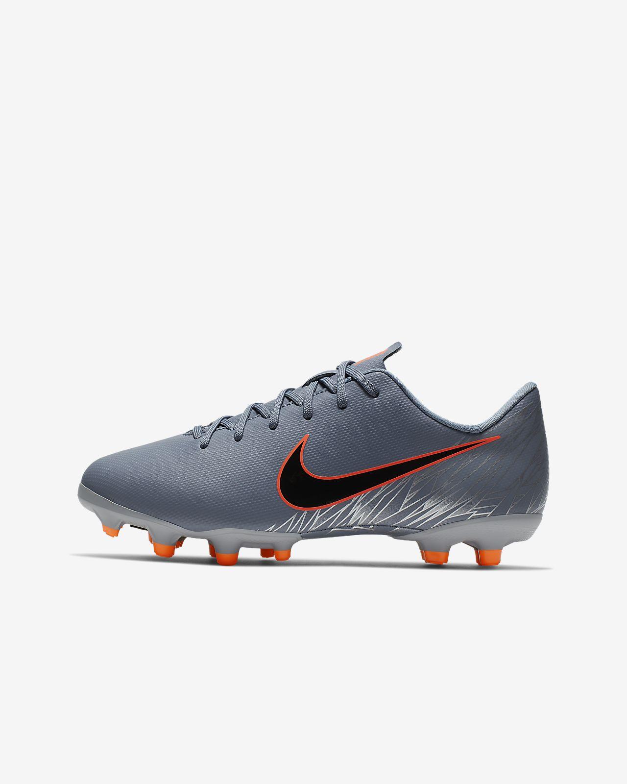 Nike Jr. Mercurial Vapor XII Academy Voetbalschoen voor kleuters/kids (meerdere ondergronden)