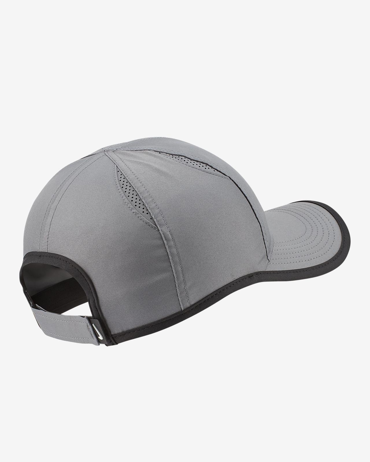 3f9f09cff NikeCourt AeroBill Featherlight Tennis Cap