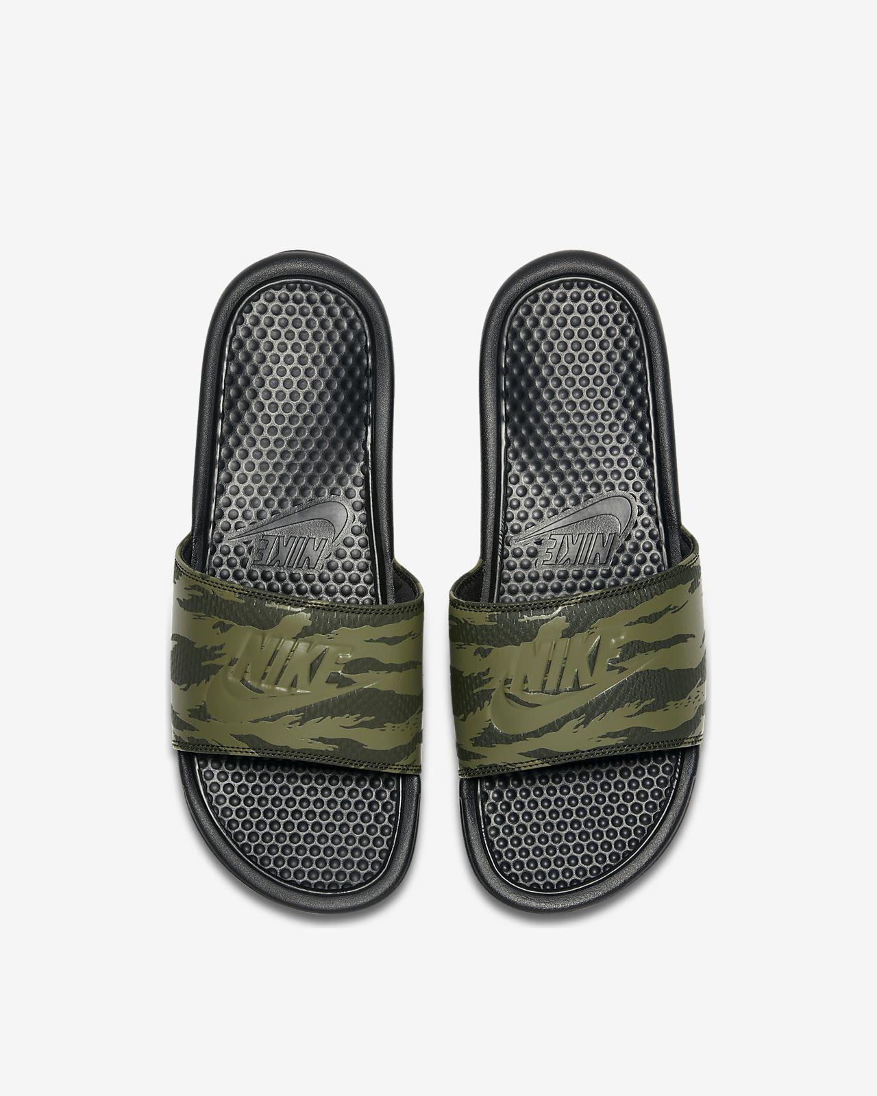 on sale 6aff1 a9ce2 ... Claquette Nike Benassi JDI pour Homme