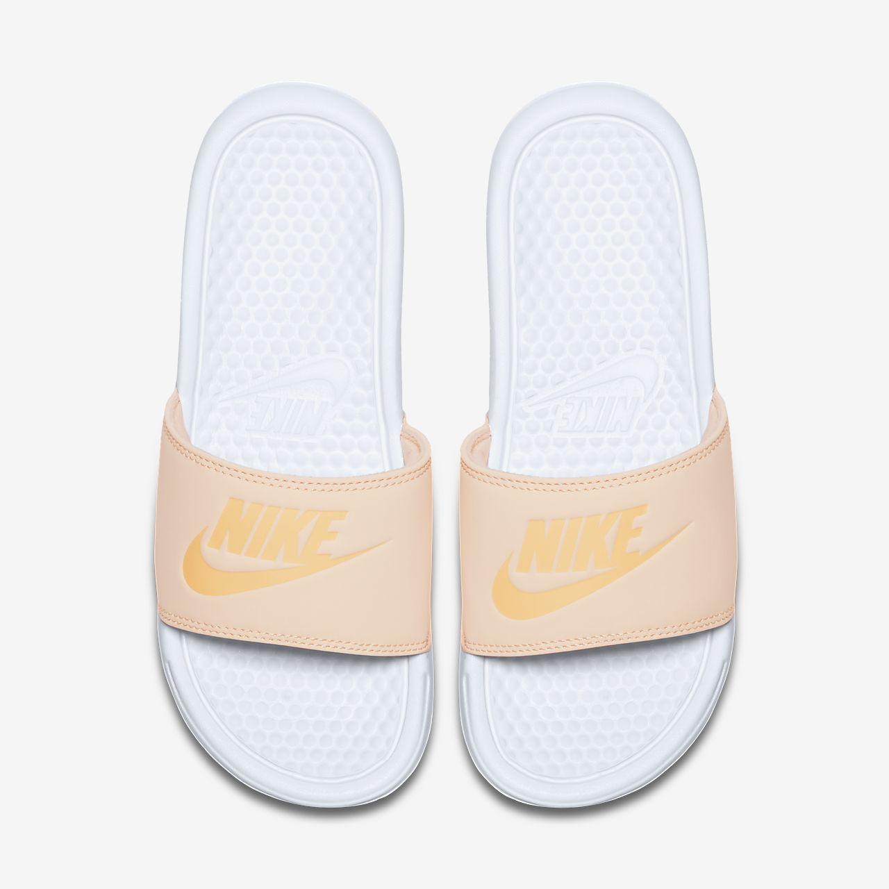 buy popular abd3a 0d873 ... Claquette Nike Benassi Pastel QS pour Femme