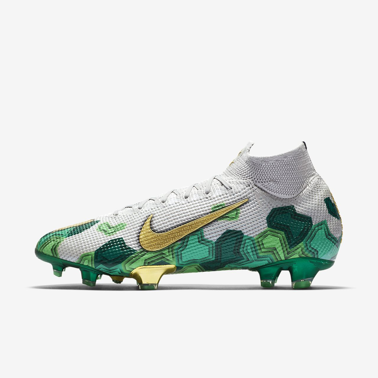 chaussures crampons football nike