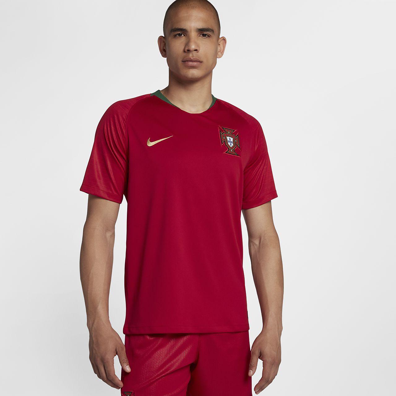 7584ff3af9 Camiseta de fútbol para hombre 2018 Portugal Stadium Home. Nike.com CL
