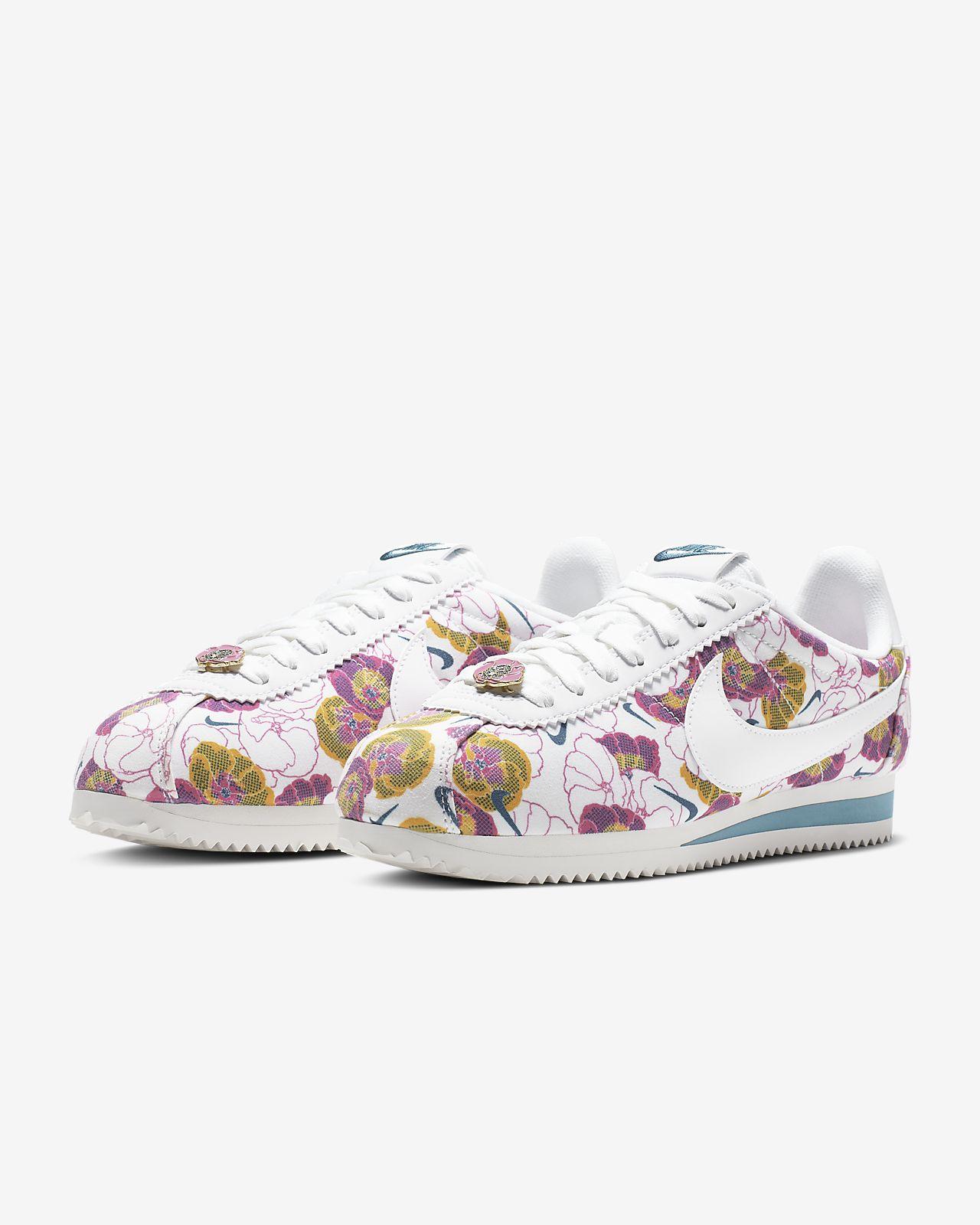 32c46689b4c32 Nike Classic Cortez LX Floral Women's Shoe. Nike.com