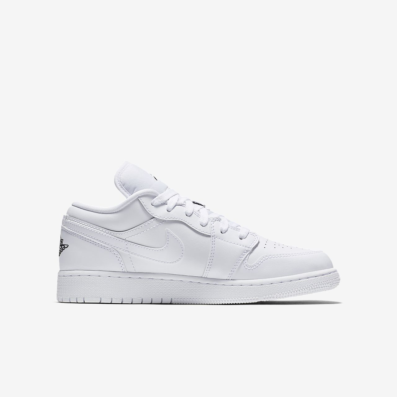 f08ab2b99f4cc3 Air Jordan 1 Low Older Kids  Shoe. Nike.com GB