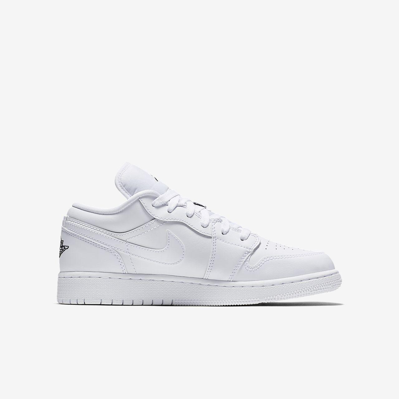 5ce915b142f9e2 Air Jordan 1 Low Older Kids  Shoe. Nike.com AU