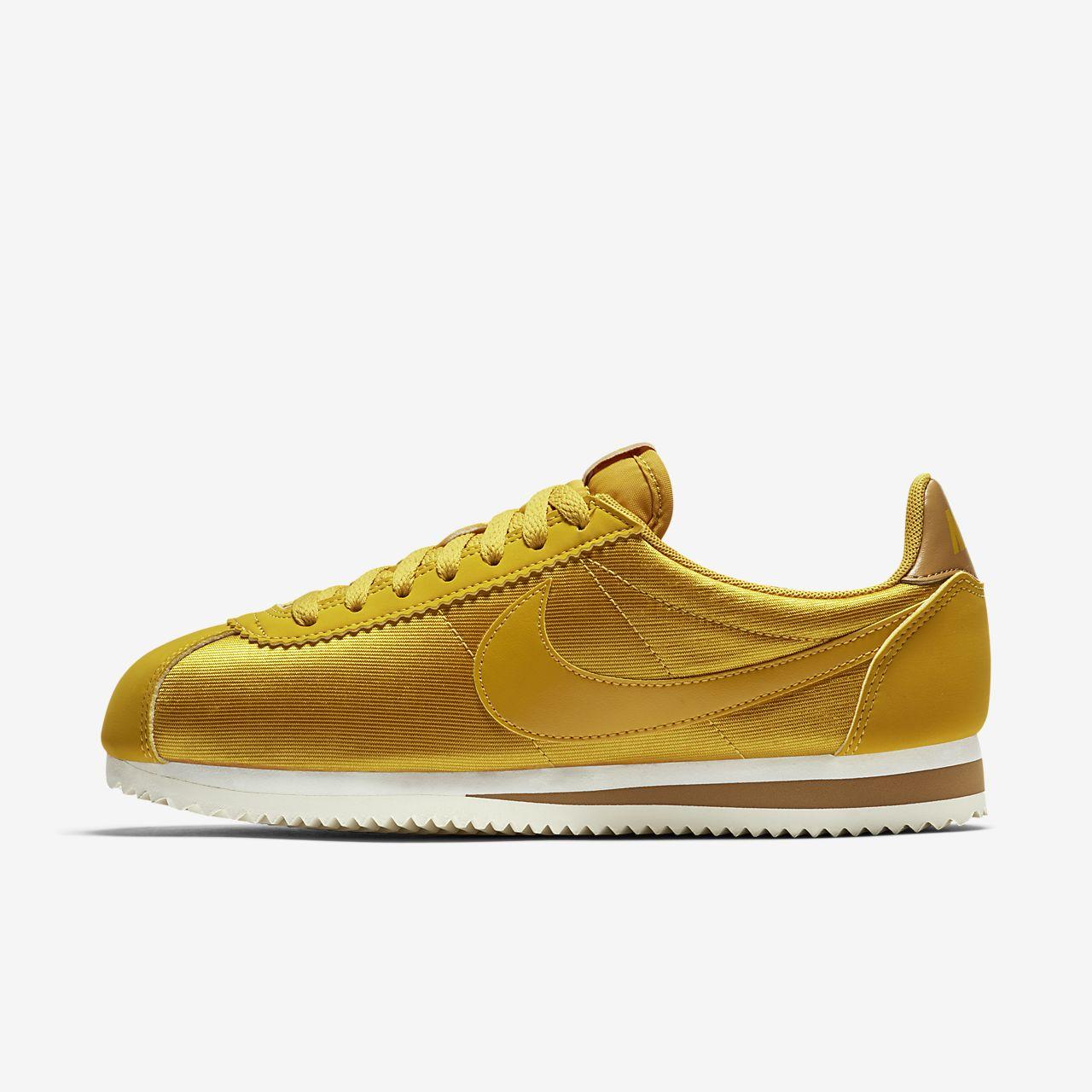 Nike Classic Cortez Nylon 女子运动鞋