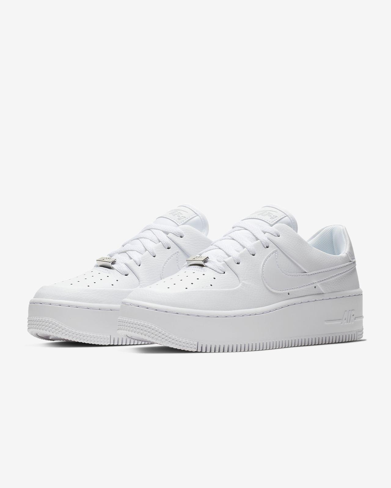 Sapatilhas Nike Air Force 1 Sage Low para mulher