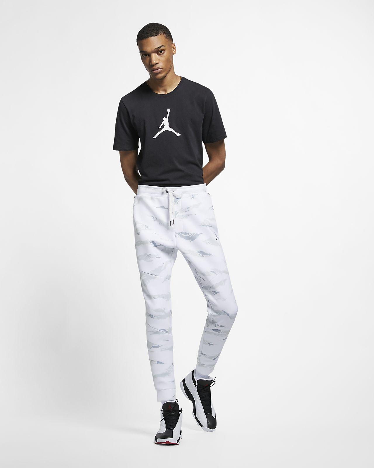 9d96673b990 Jordan Sportswear Flight Tech Men's Camo Trousers. Nike.com RO