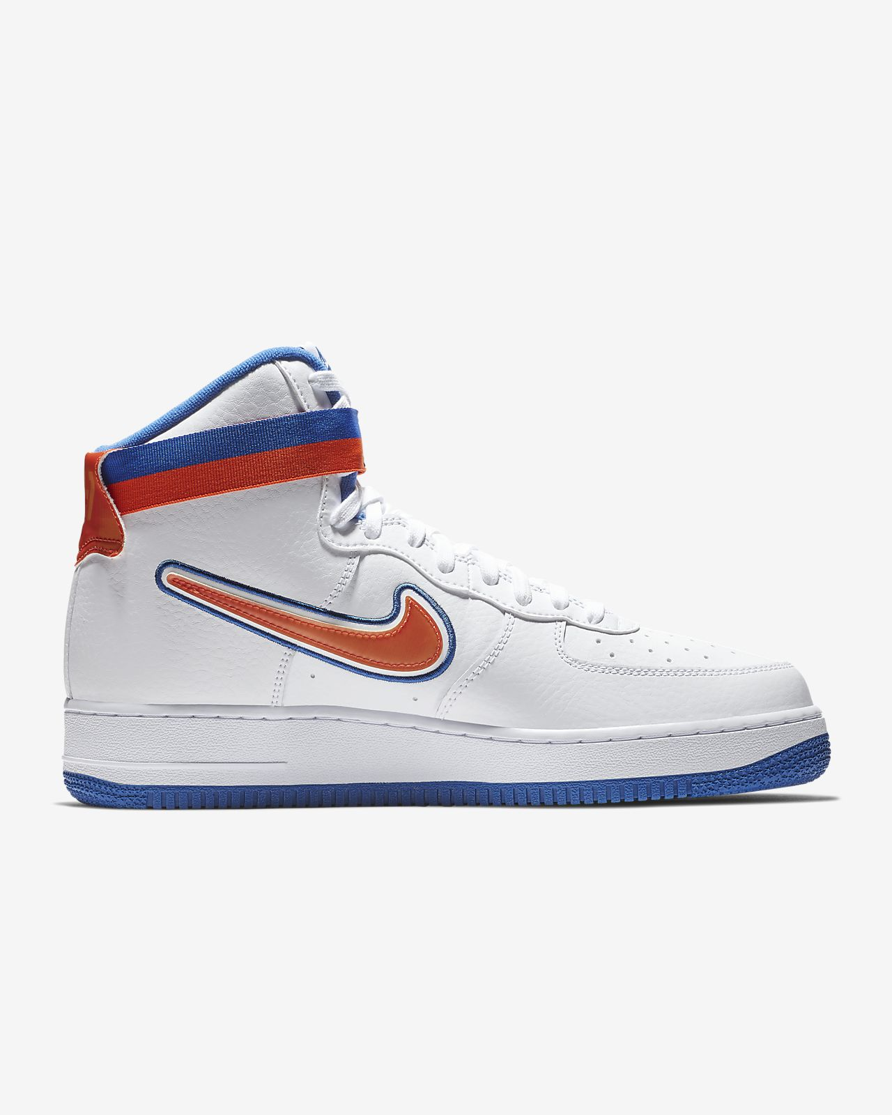 d17e8bd72762f0 Nike Air Force 1 NBA High (New York Knicks) Men s Shoe. Nike.com IN