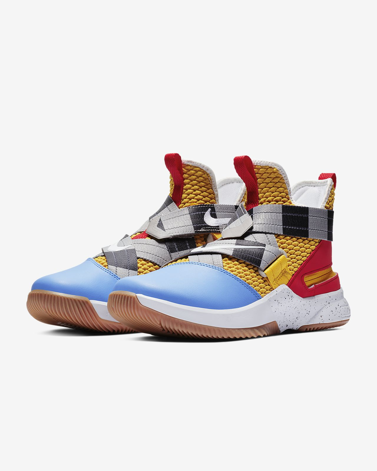 buy popular d3470 beb60 Chaussure de basketball LeBron Soldier 12 FlyEase pour Homme. Nike ...